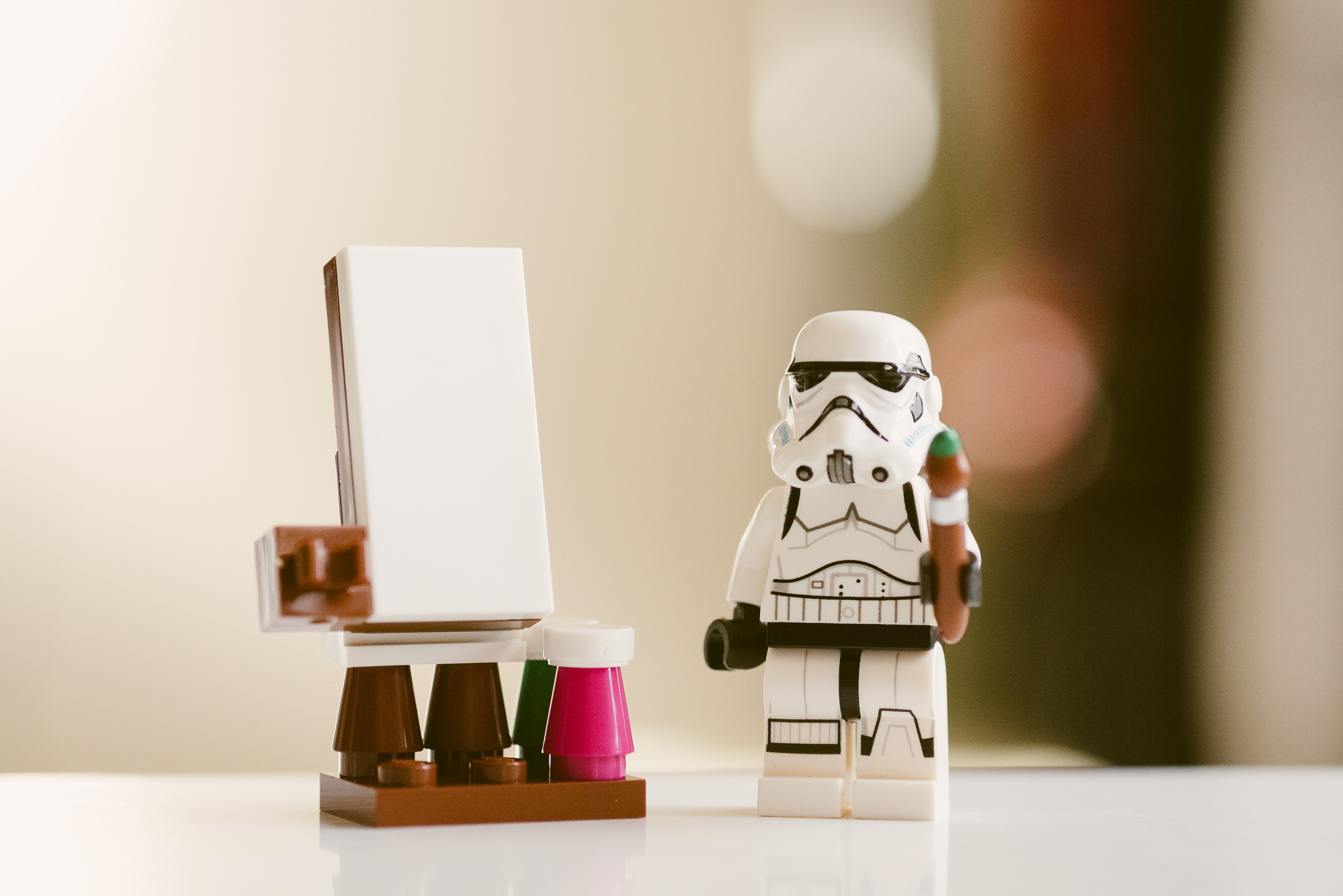 white Stormtroopers minifig