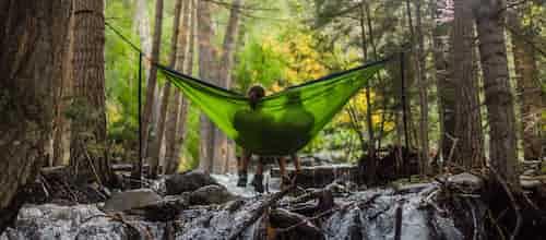 הגנה מאנית וחוויה מתקנת בטיפול הזוגי: אינטגרציה בין גישת האימאגו למושגים מהפסיכואנליזה לאור מחקרים נוירופסיכולוגיים