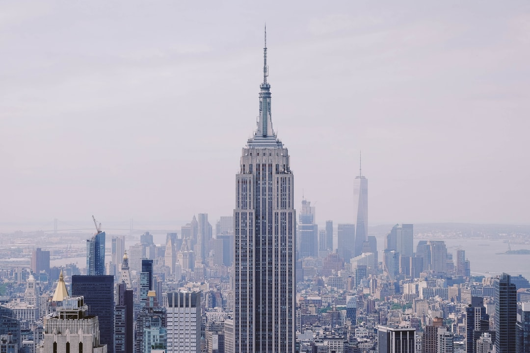 I was in NY with my brother for a week of street photography and exploration. Shooting the Empire State building was at the top of my list. I wanted to bring out the fact that he dominates the city despite other high buildings -a central and majestic skyscraper.