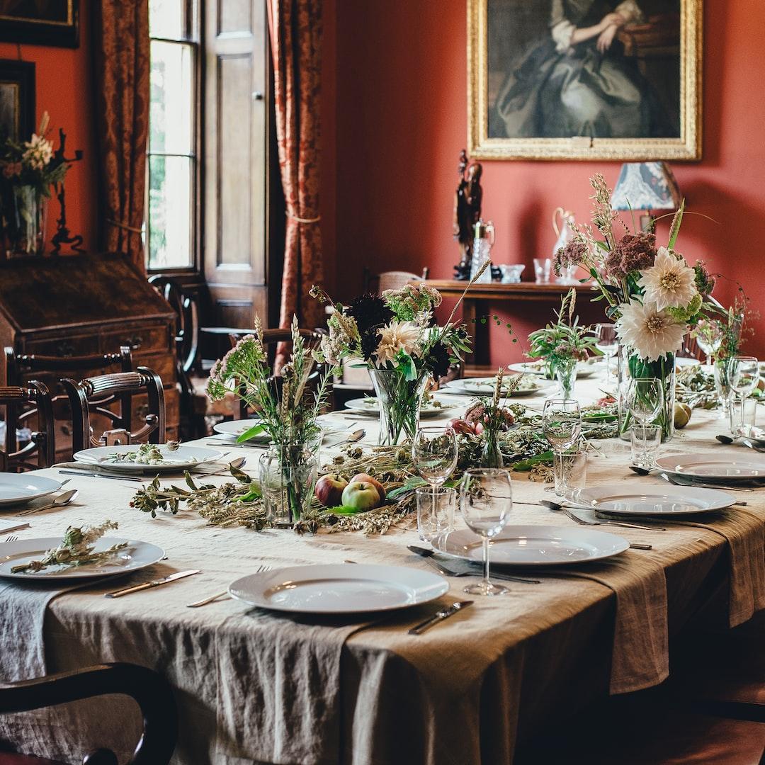 Aristocratic table