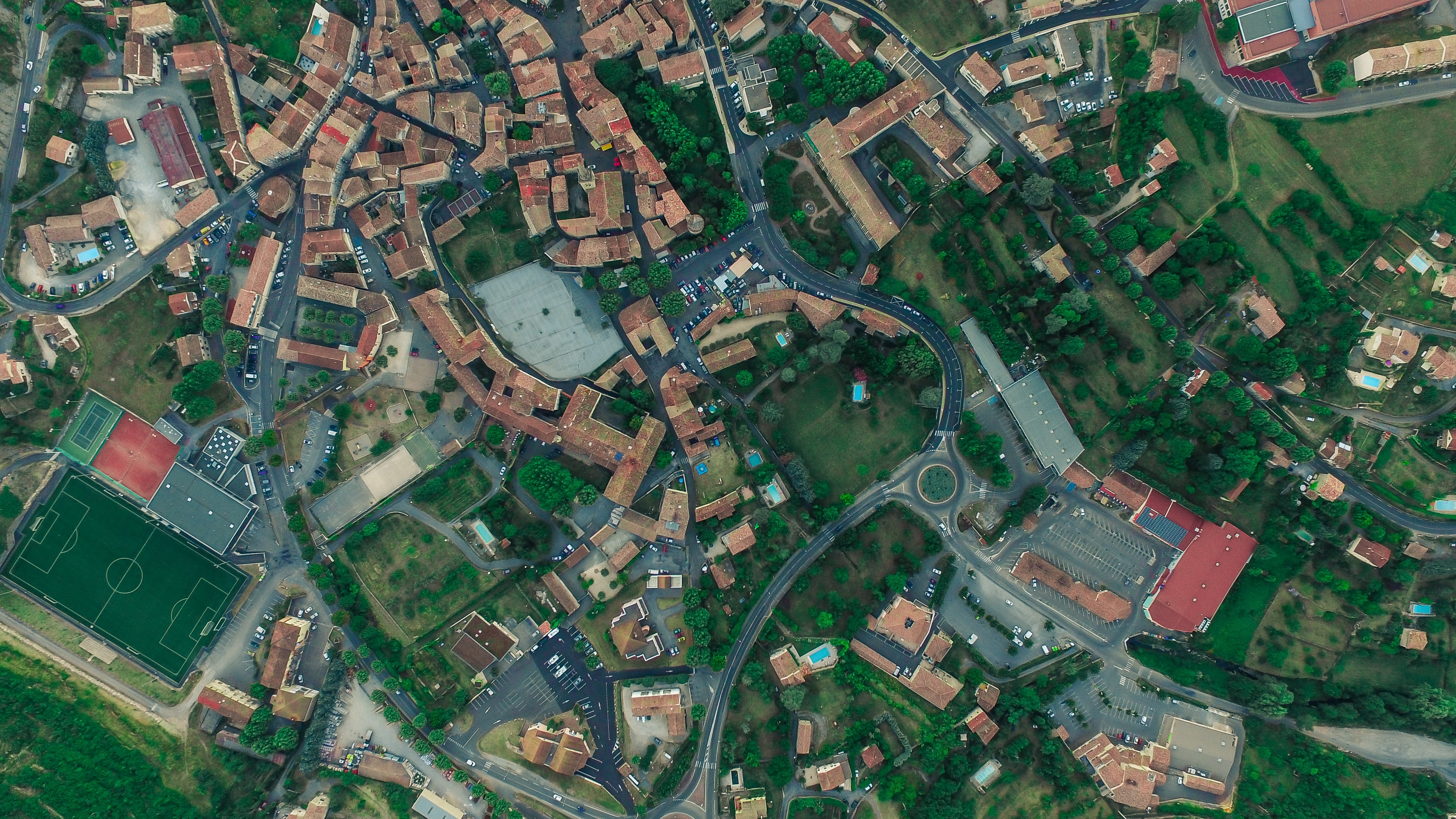 aerial photography of city with houses