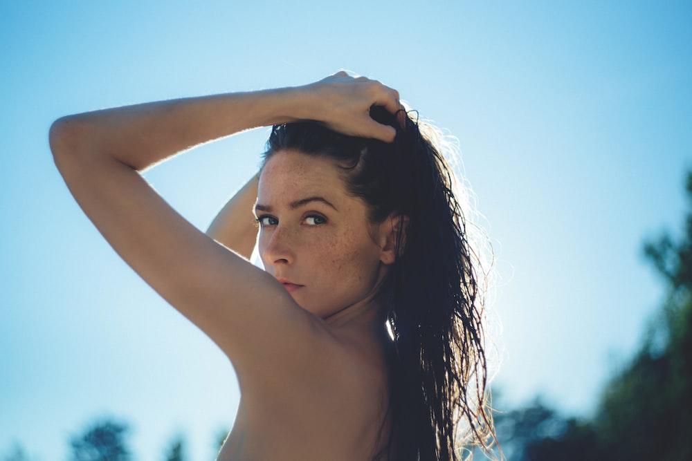 shallow focus of woman posing