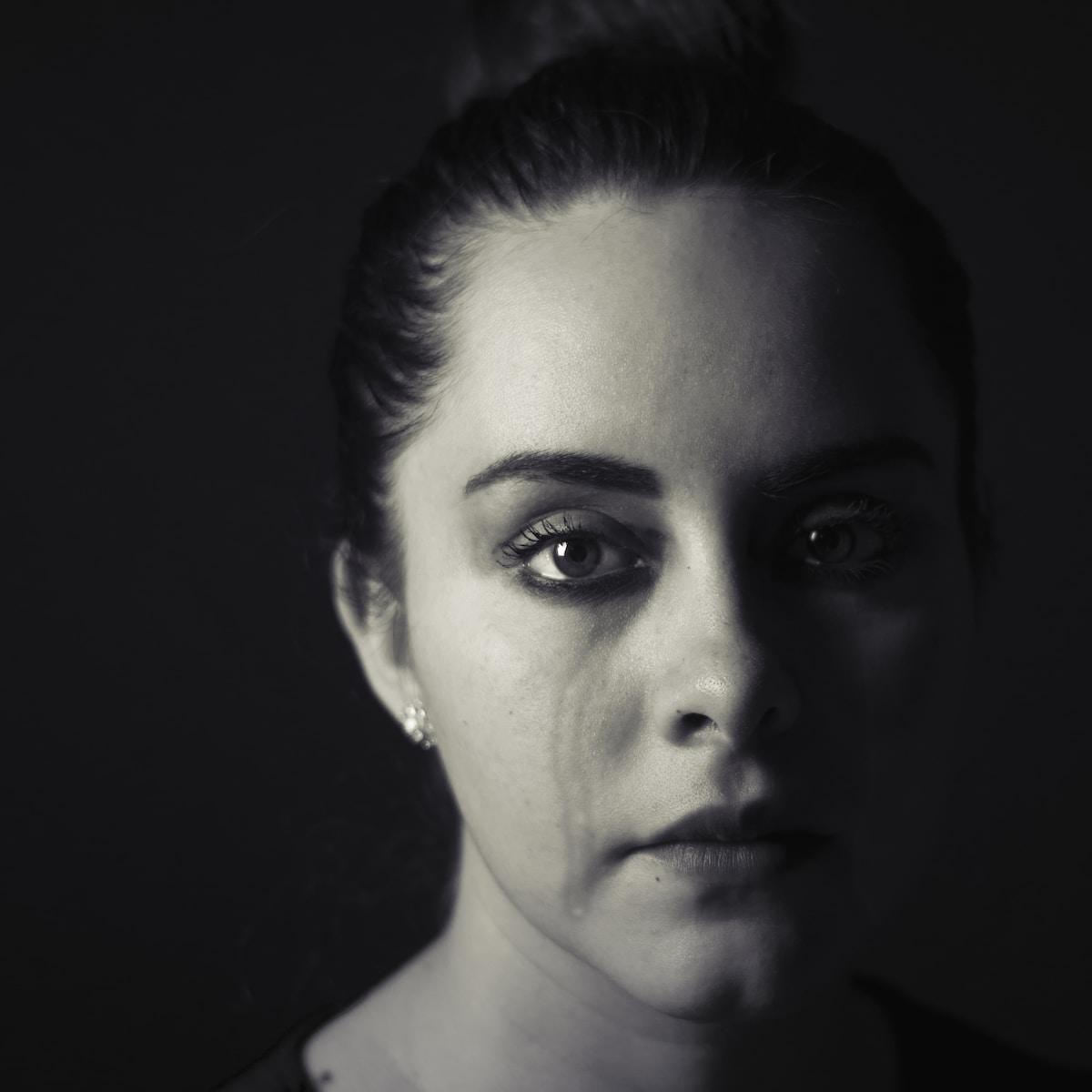 lágrimas negras, woman's face