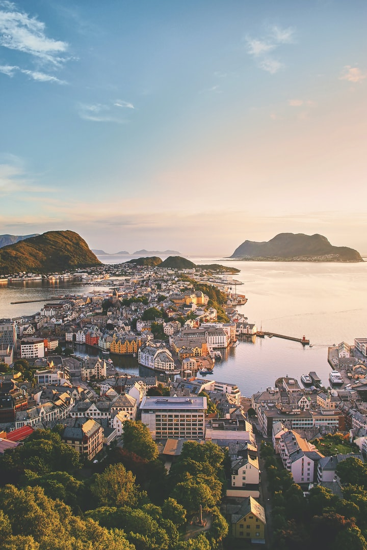 Norway has switched to electric cars. And in their cities you can breathe cleaner air than ever