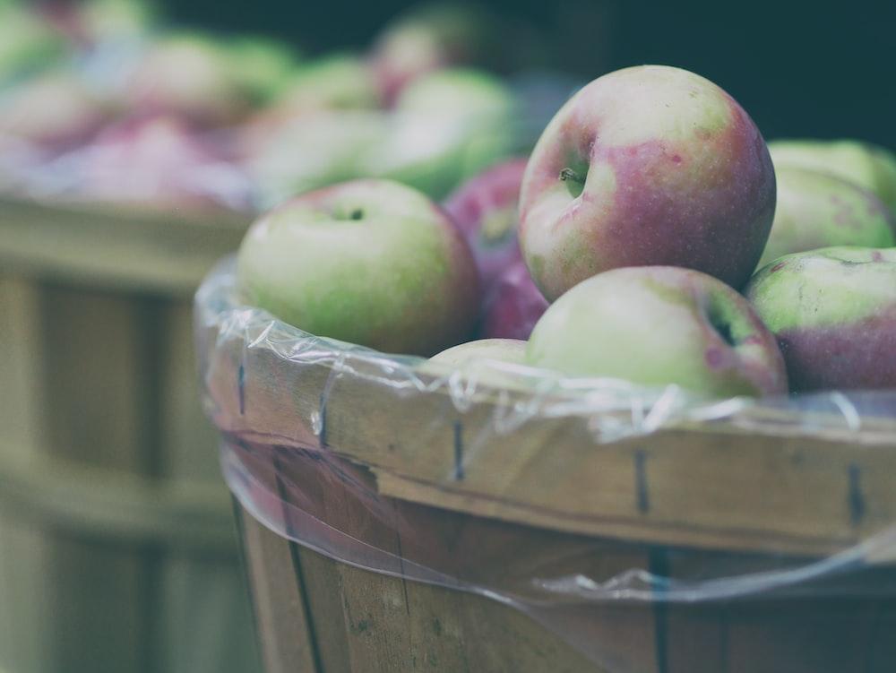 bucket of apple fruits