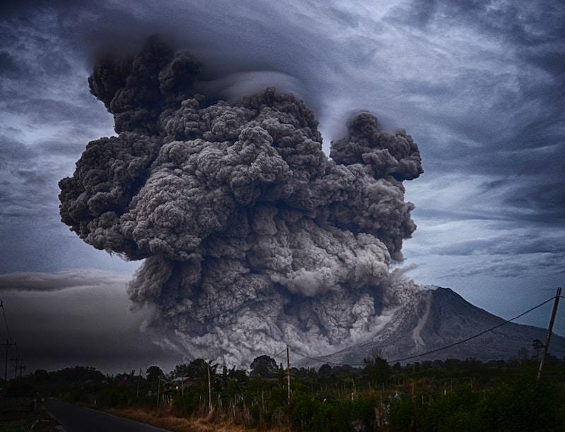 volcano eruption during daytime