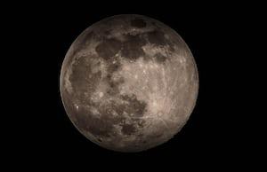 4572. Űr, hold, bolygók