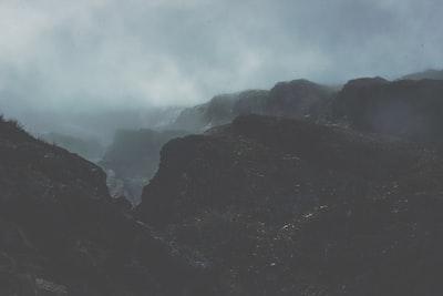 1278. Ködös tájakon