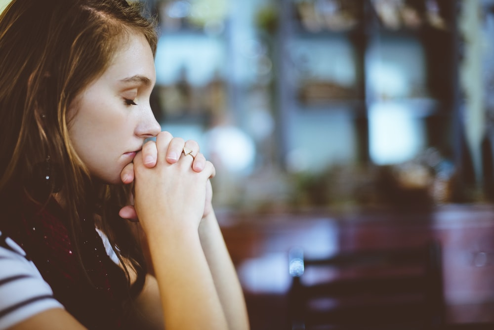 woman praying