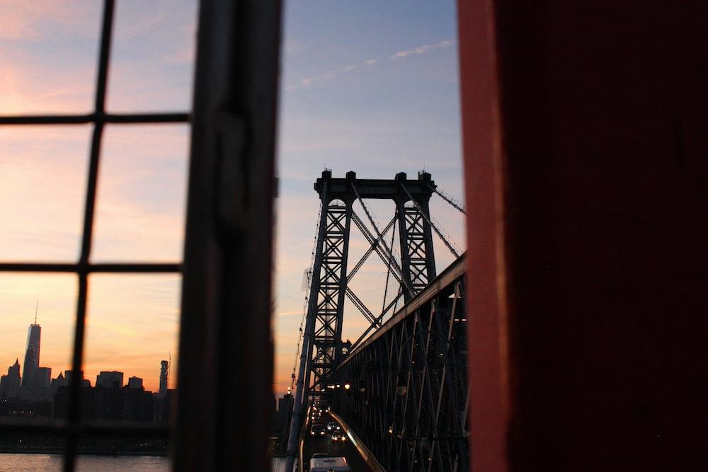 close-up photo of golden gate bridge
