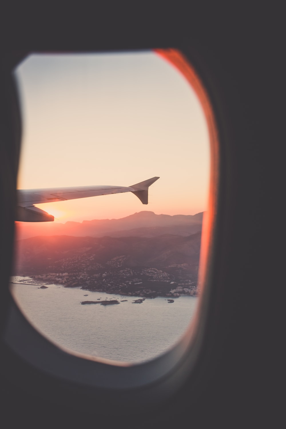 Remarkable 27 Airplane Window Pictures Download Free Images On Unsplash Ocoug Best Dining Table And Chair Ideas Images Ocougorg