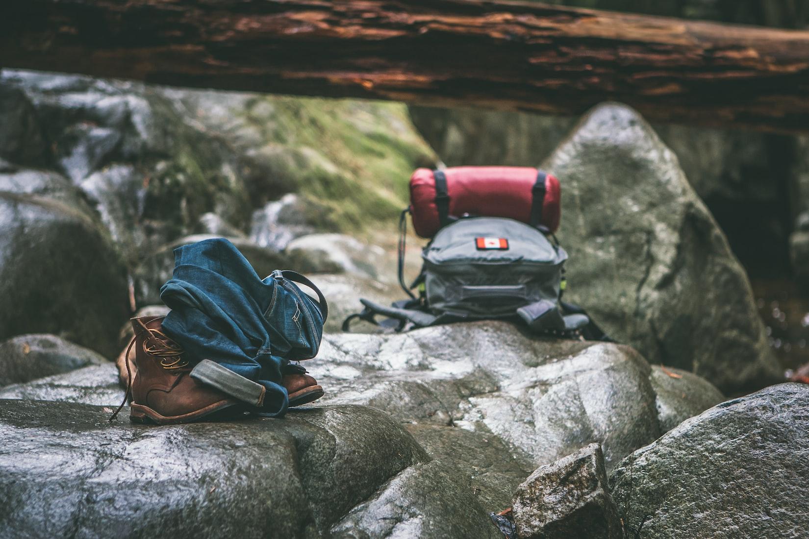 elegir la ropa adecuada para tus salidas a la montaña