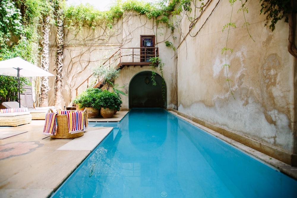 swimming pool photo during daytime