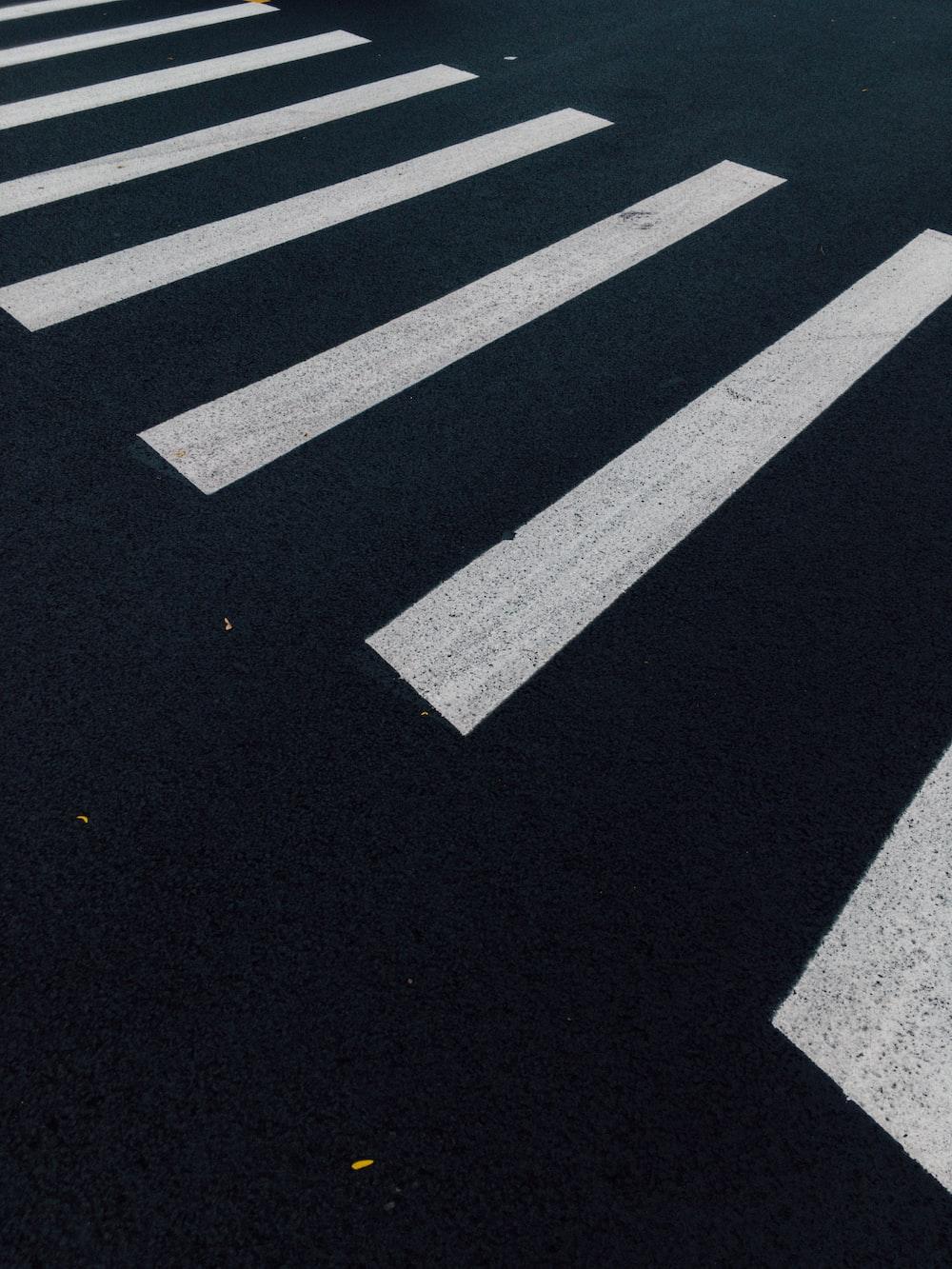 photography of pedestrian lane
