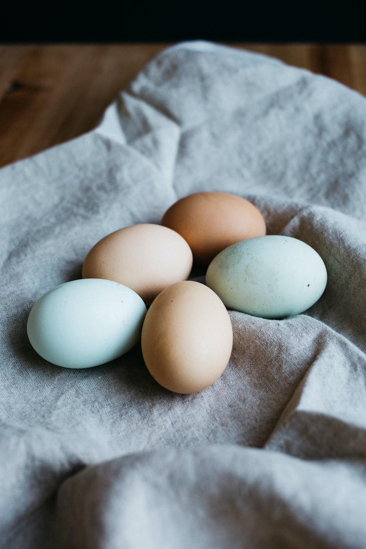 five broil eggs
