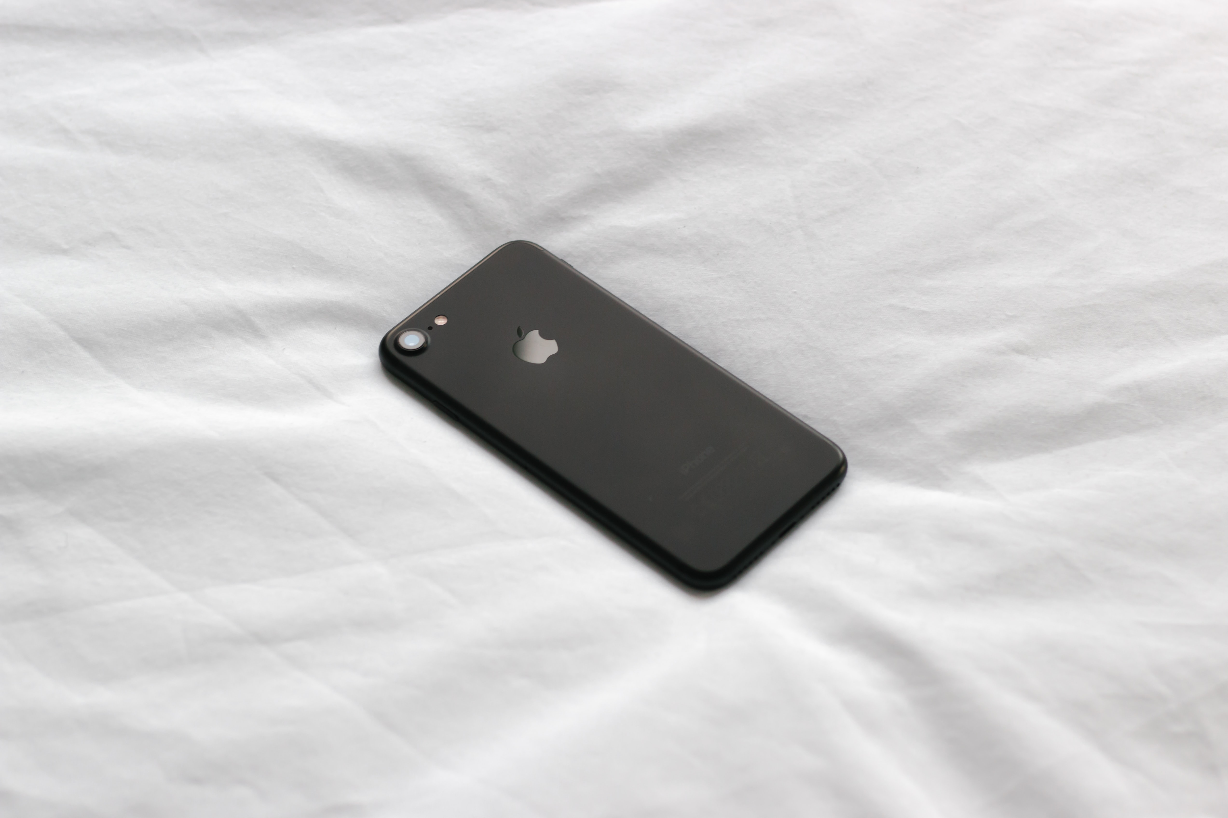 black iPhone 8