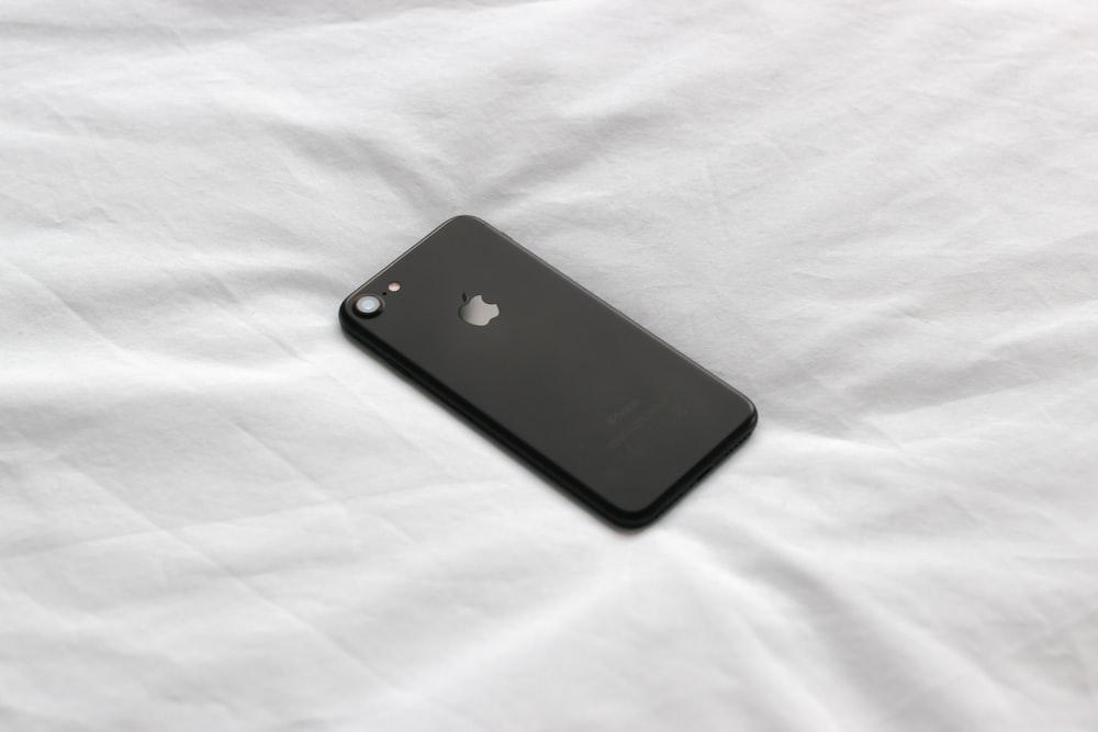black iPhone 8
