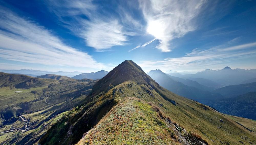 mountain range at daytime
