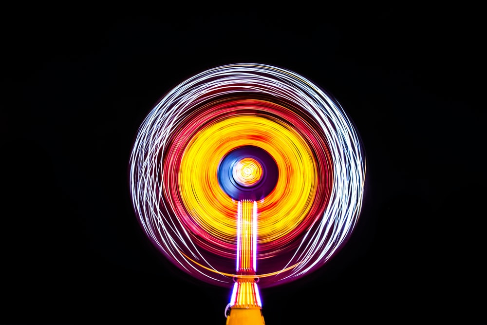 yellow lighted spin toy