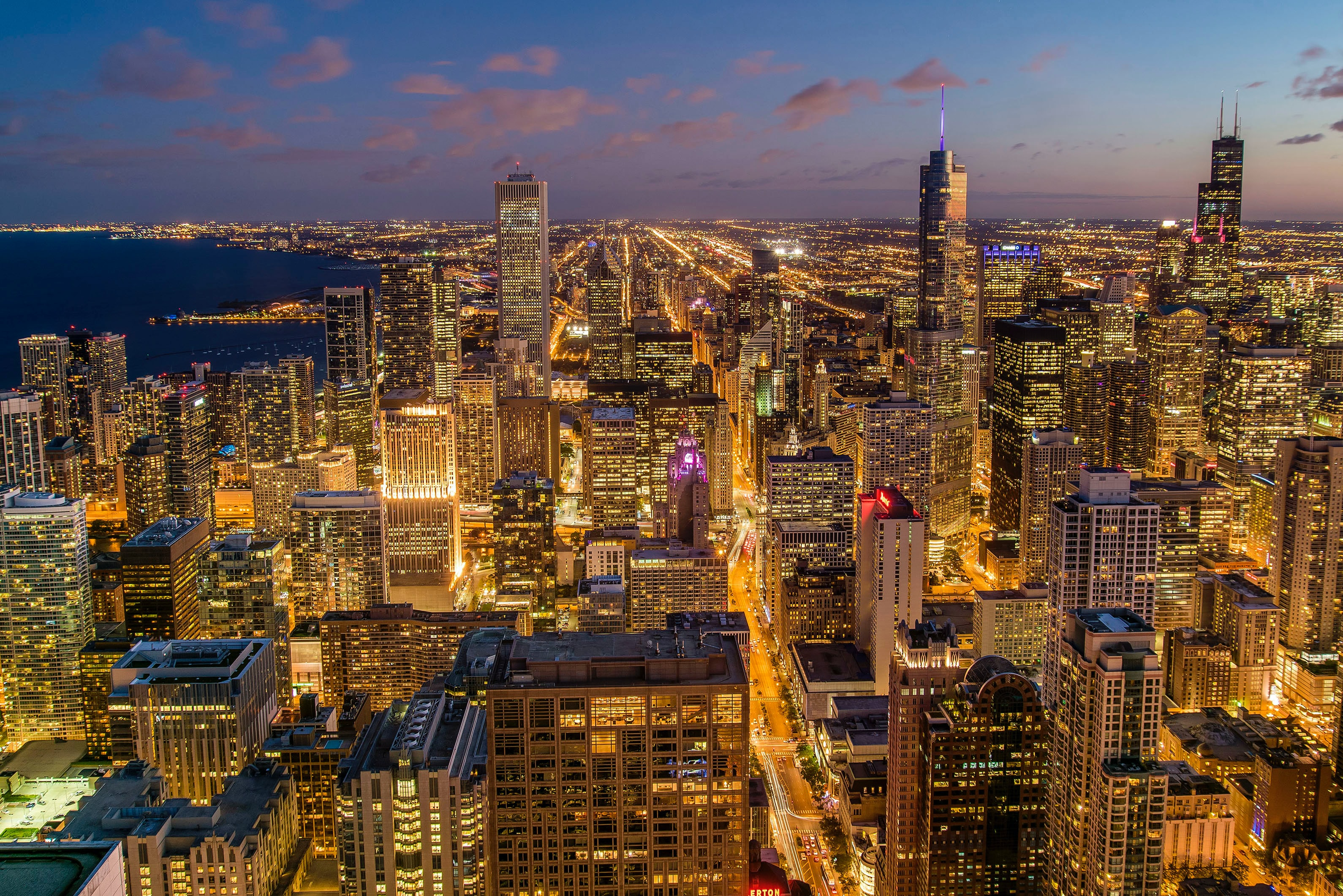 Chicago Night Skyline Pictures Download Free Images On Unsplash