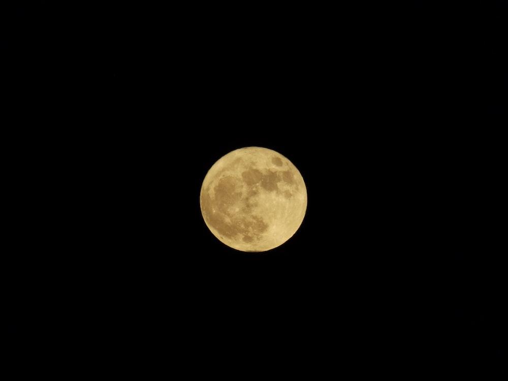 full moon illustraiton