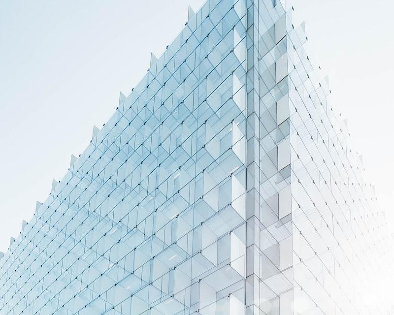 Glass plate facade edge, Madrid, Spain by Joel Filipe