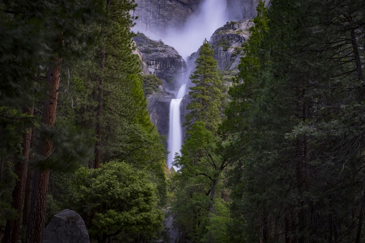 best Yosemite hikes - Mile Trail
