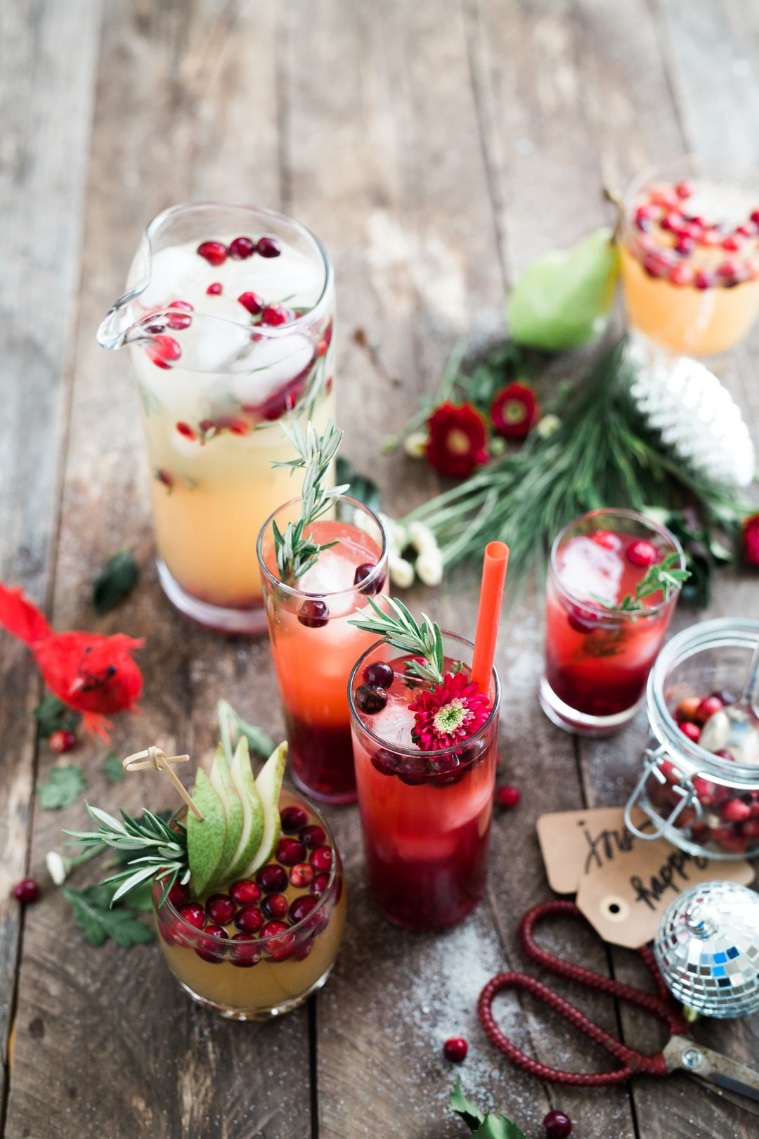 A trip home from shopping after a long day of holiday prep, and I was ready to settle in for a merry sipper. Three easy ingredients–fruit juice (pom or pear), vodka and ginger kombucha–later and we had a full table of glowy drinks. Happiest Holidays.