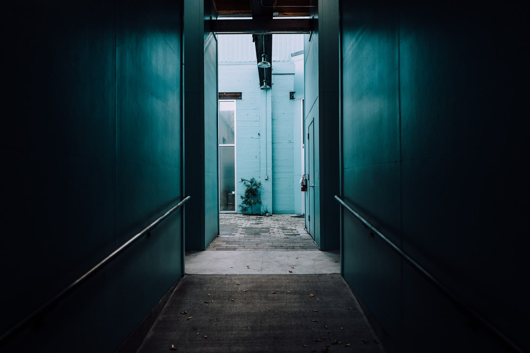 The light in this scene drew me in. I had to capture it. I love the way the Leica Q captured the light creeping into this dark hallway. It beckons people to enter the darkness and discover the source of light.
