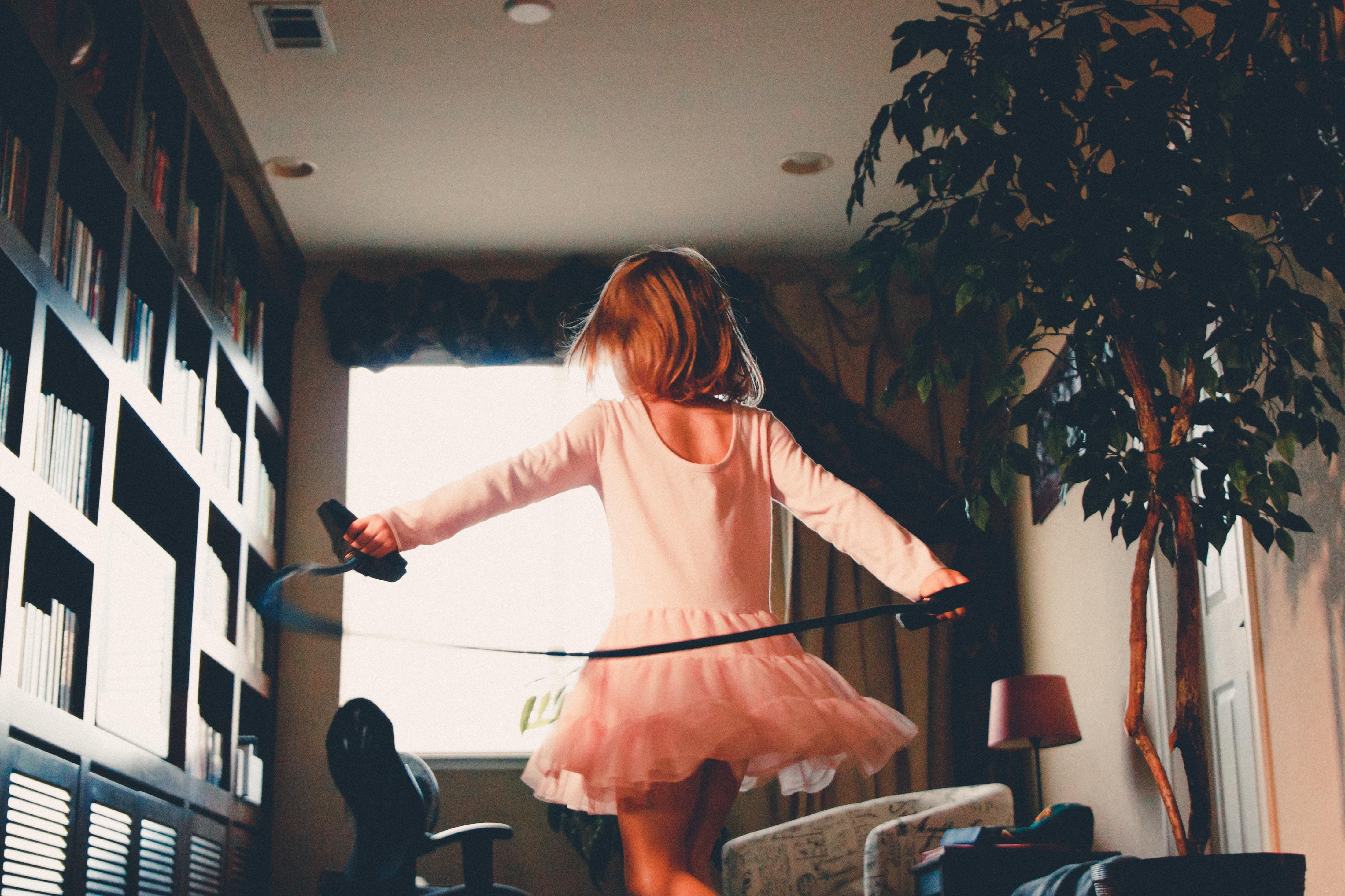 girl playing jumping rope