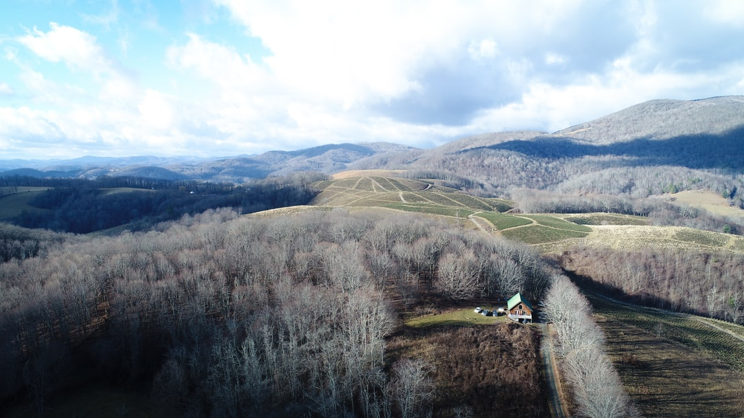 We rented a cabin in the mountains of Virginia to escape the craziness between Christmas and New Years Eve in the big city. It was hard to capture how secluded we were from the ground, and just how far away from the hustle and bustle we were. We sent the drone up to capture the landscape, the cabin, and the surrounding area.