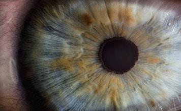 Los Colirios y el Cuidado de los Ojos