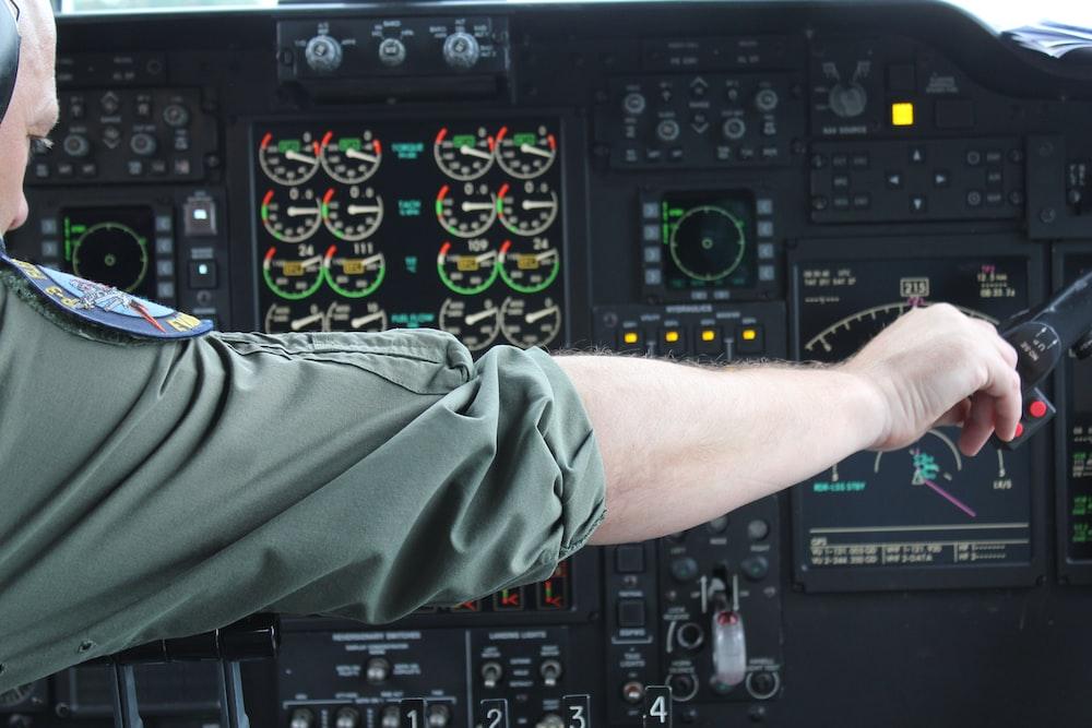 photo of pilot calibrating knobs