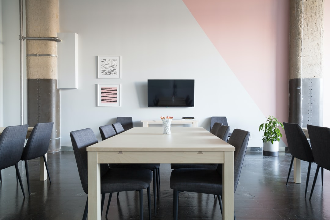 Quiet meeting room photo by breather breather on unsplash for Interieur ontwerpen gratis
