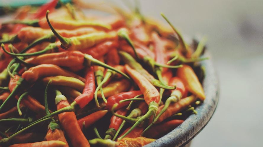 Alimentos que ajudam a perder peso rápido: Pimentas