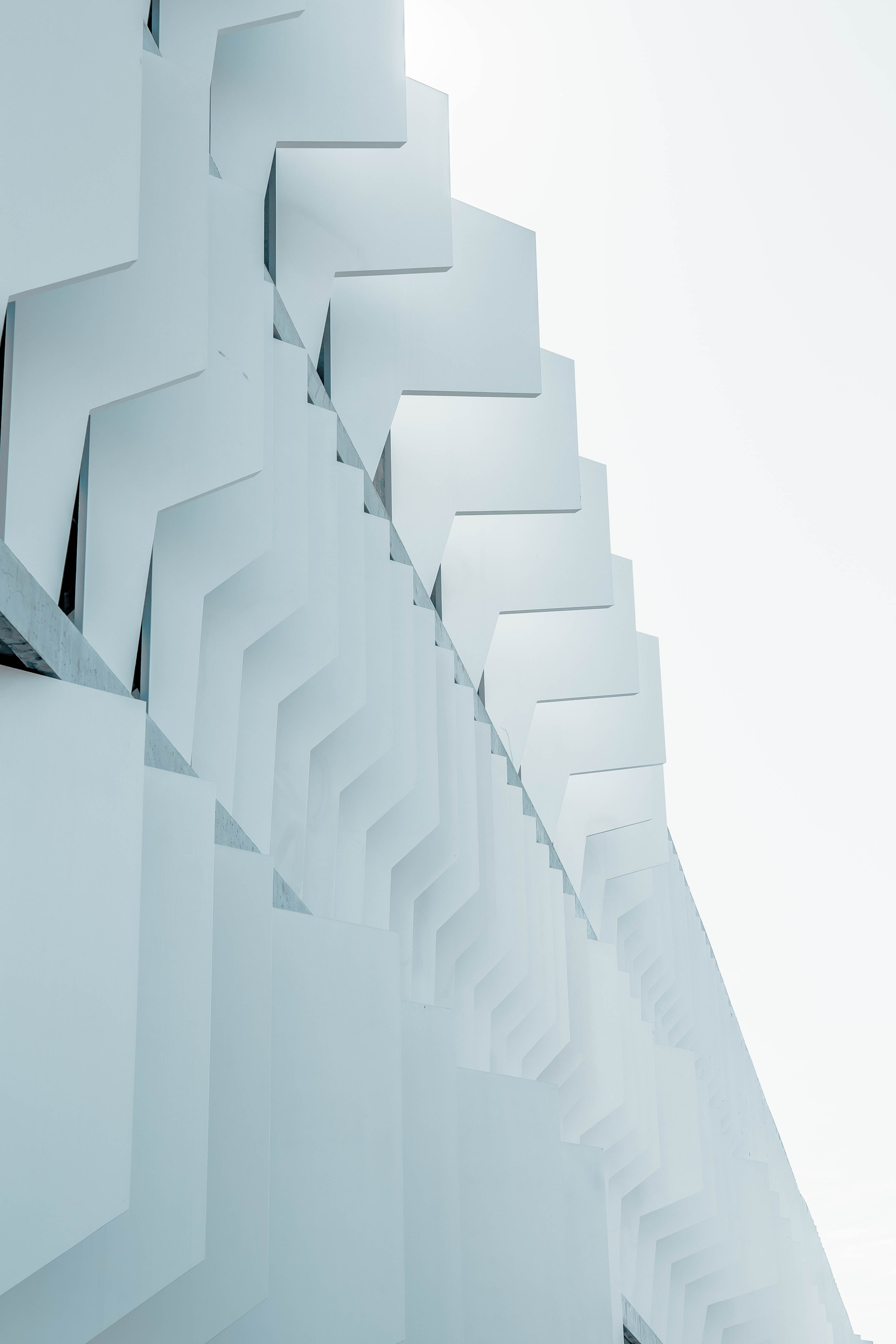 A side view of a white facade in Madrid