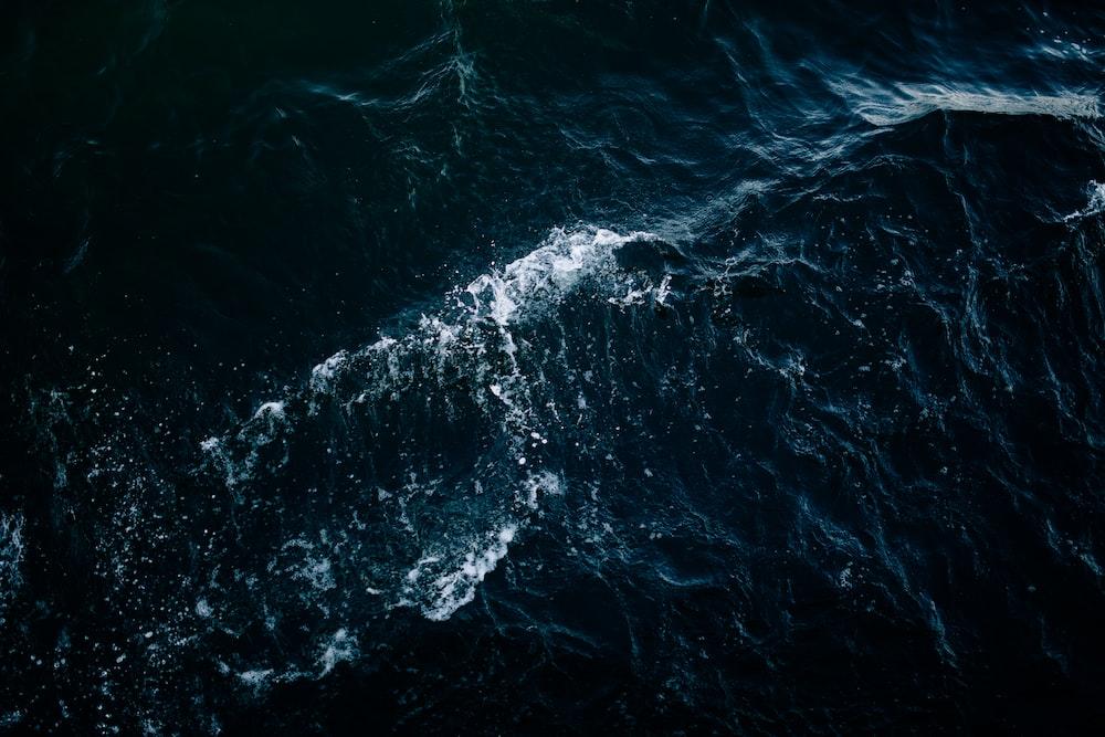 high-angle photo of sea with waves