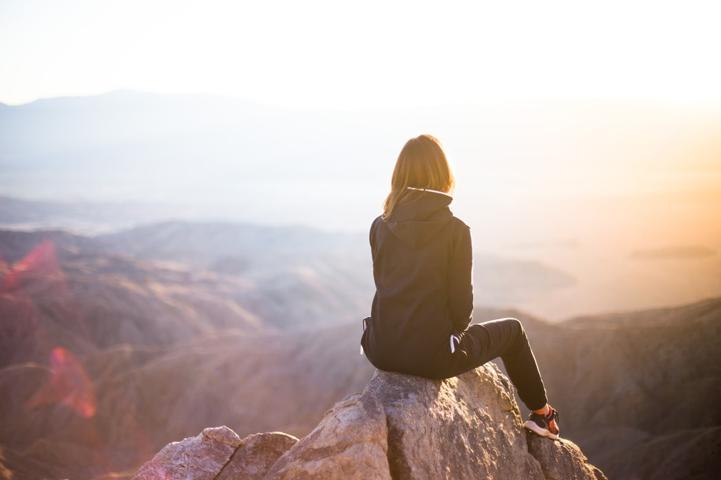 簡介正念療法:你可以孤獨,同時也快樂著   失落花園 張立人精神科醫師