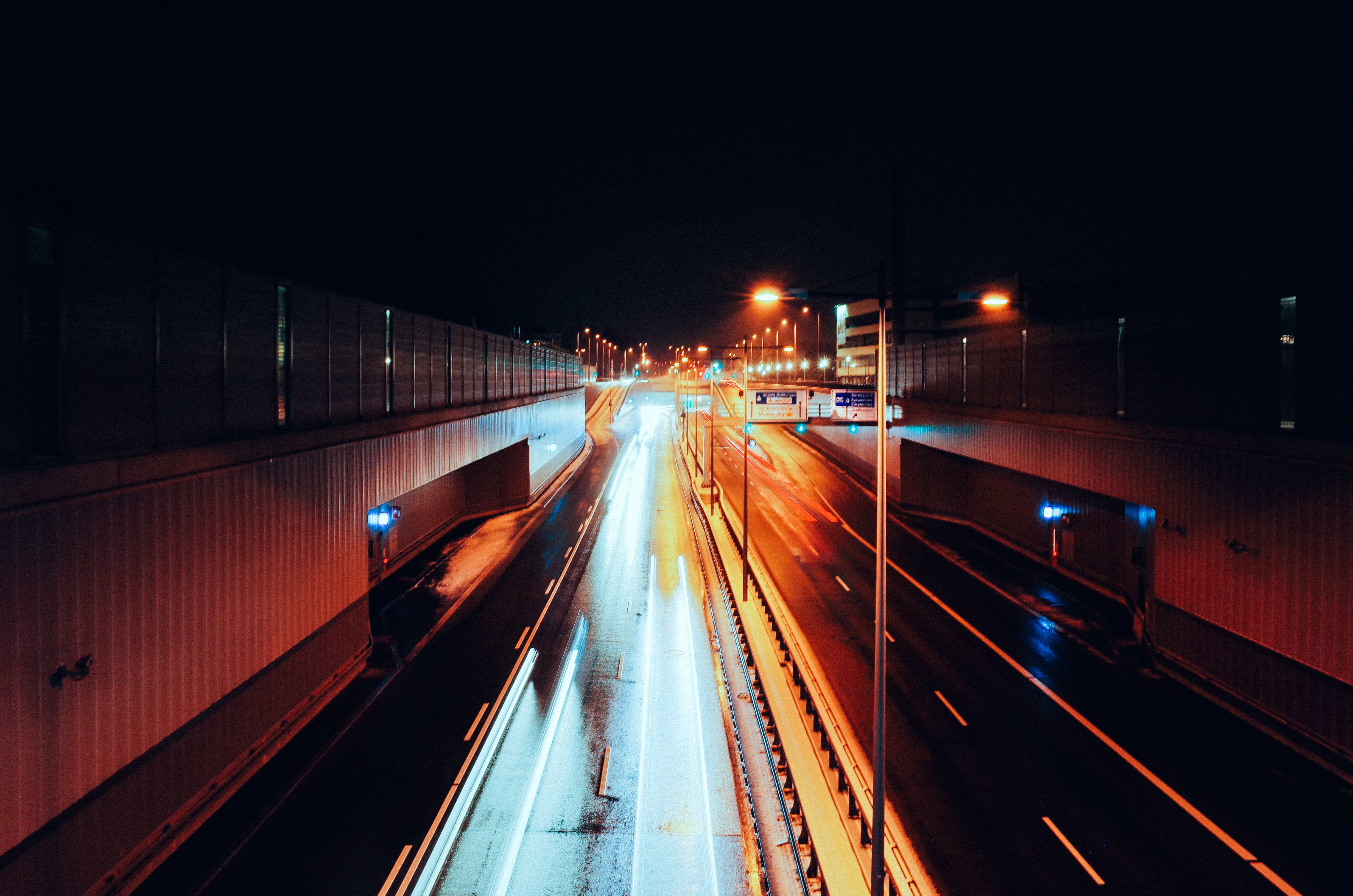 Long exposure of night time traffic in Munich