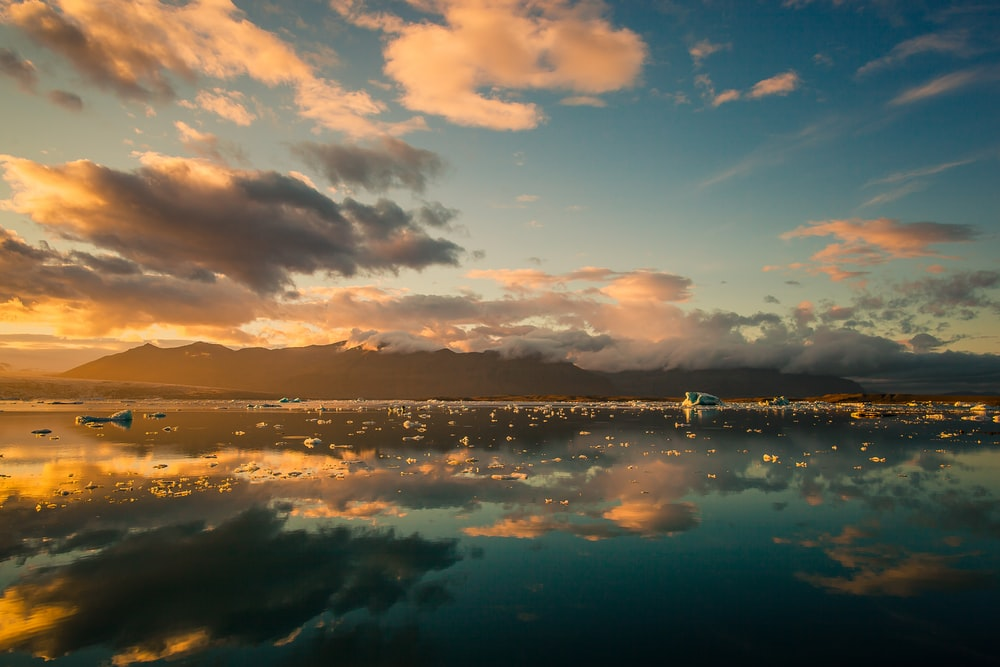 landscape photography of sea and clouds