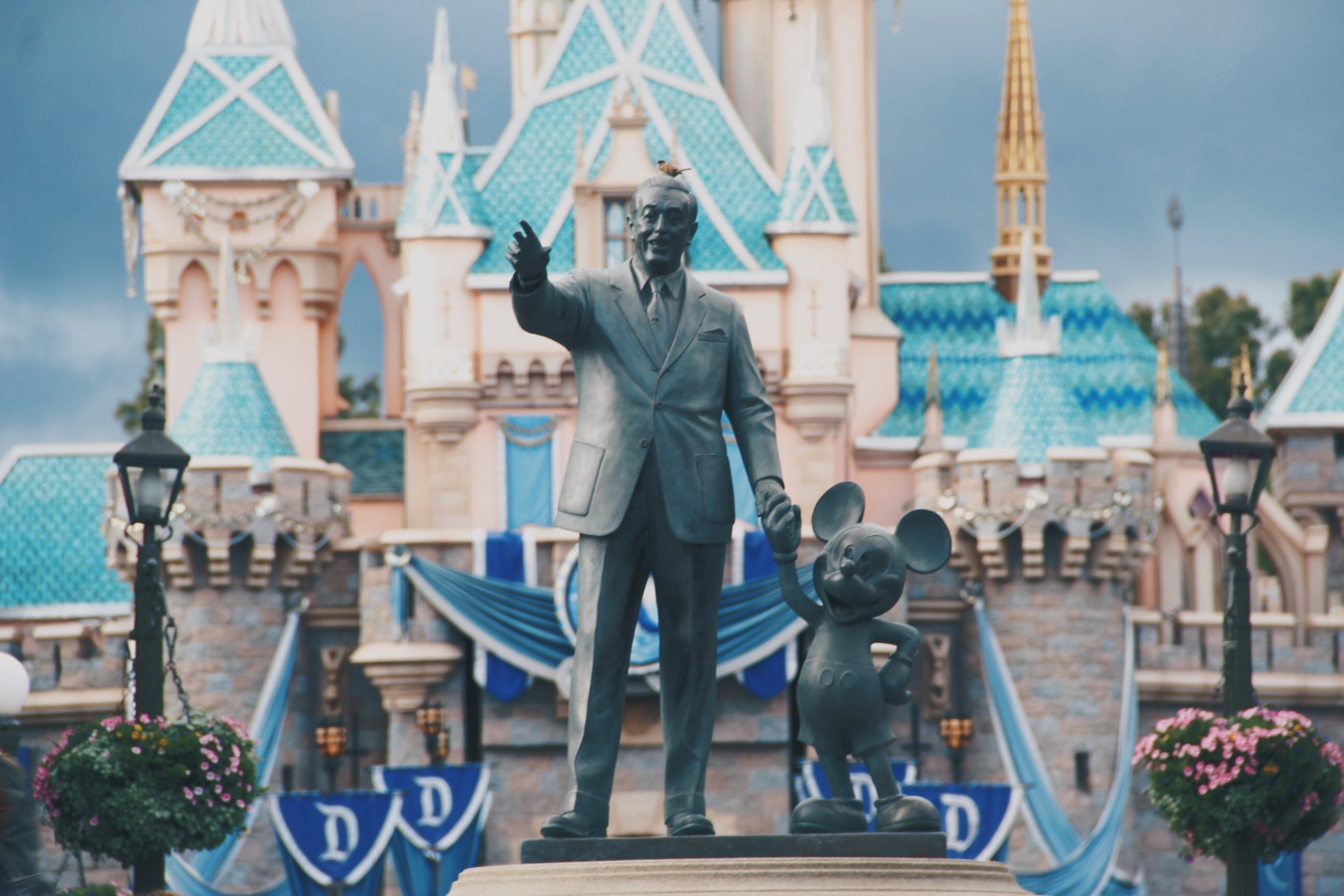 The statue of Walt Disney and Mickey Mouse in Disneyland