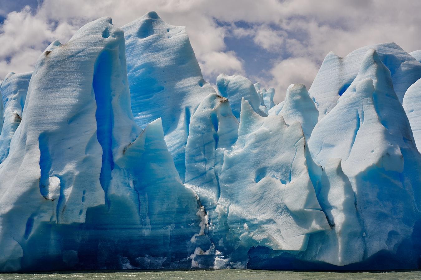 Antarktika'da buzullar eriyor
