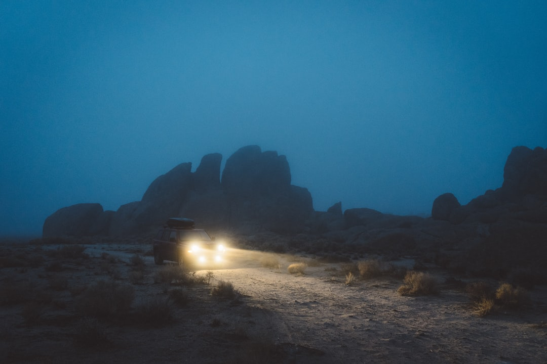 This was how we spent the last day of 2016, driving through the Alabama Hills. I can't think of a better way to end a wonderful year full of trips and new places.