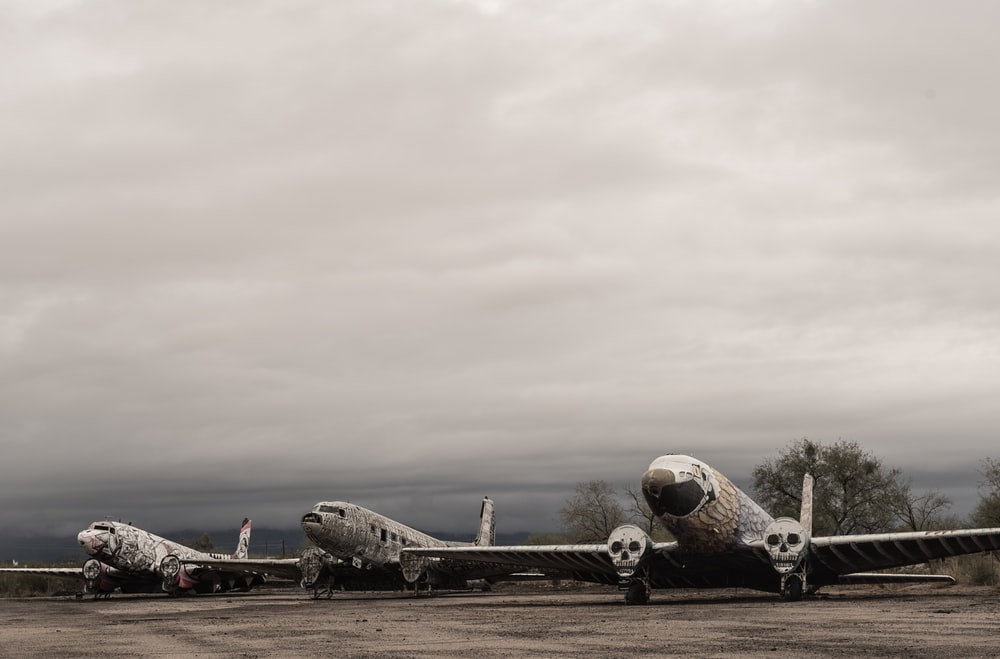 three plane at daytimes