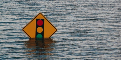 traffic light sign underwater
