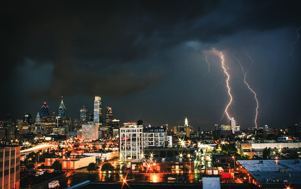 lighting strikes on city