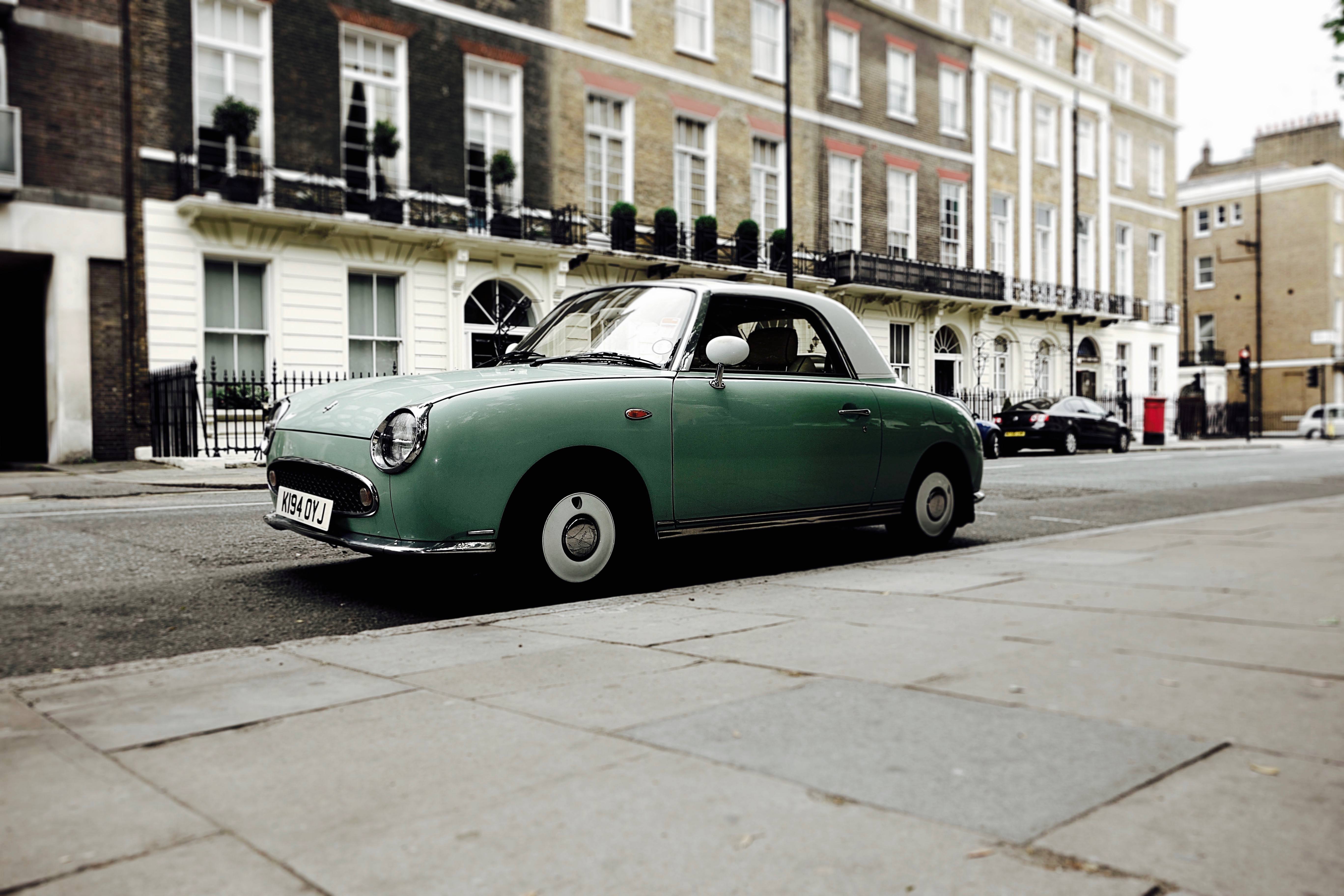 I found this car while strolling around in London.
