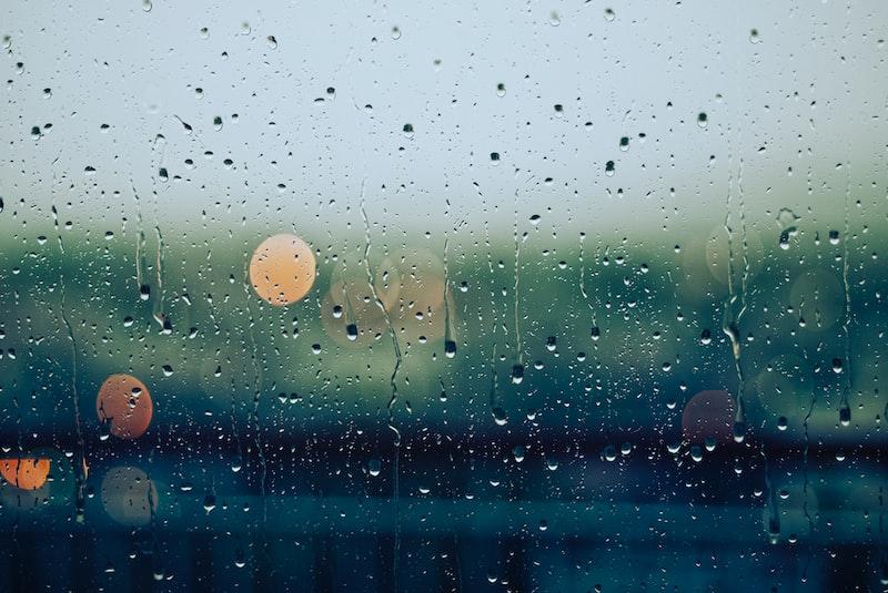 遠距離 戀愛 默契 你住的城市下雨了 宮崎駿
