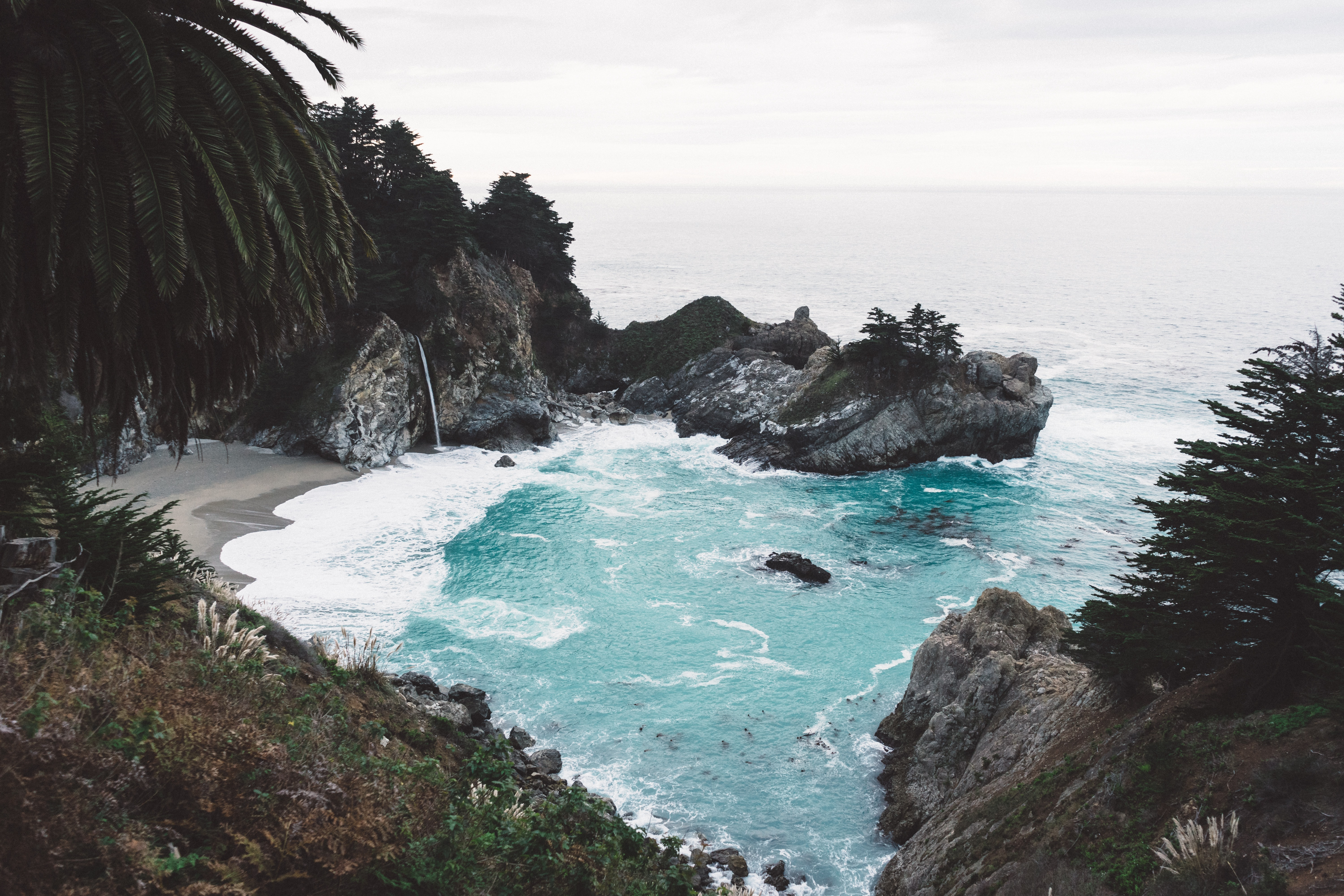 View of the ocean by from the cliff in McWay Falls