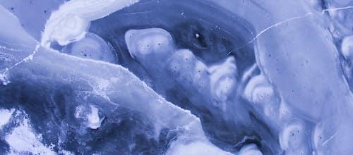 חיים בשפה, חיים בתשוקה: שיחה על פסיכואנליזה לאקאניאנית ועוד / יהודה ישראלי ואסתר פלד